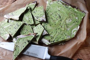 matcha holiday bark